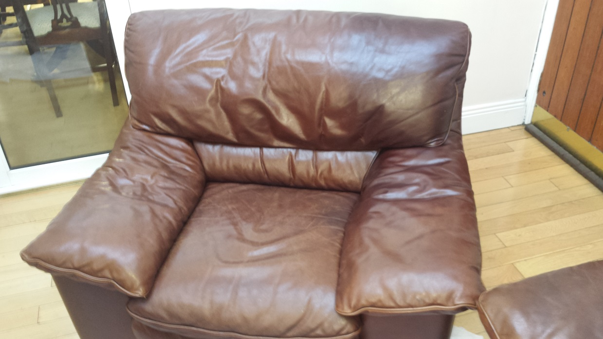 Leather armchair loosing colour